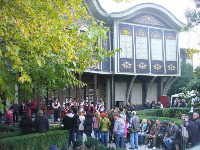 Come to the Young wine festival in the Old town of Plovdiv-IT