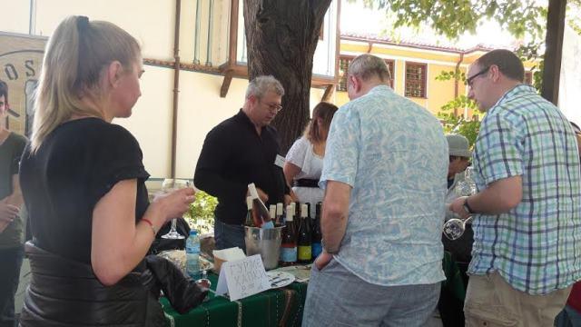 Стария град ухае на вино